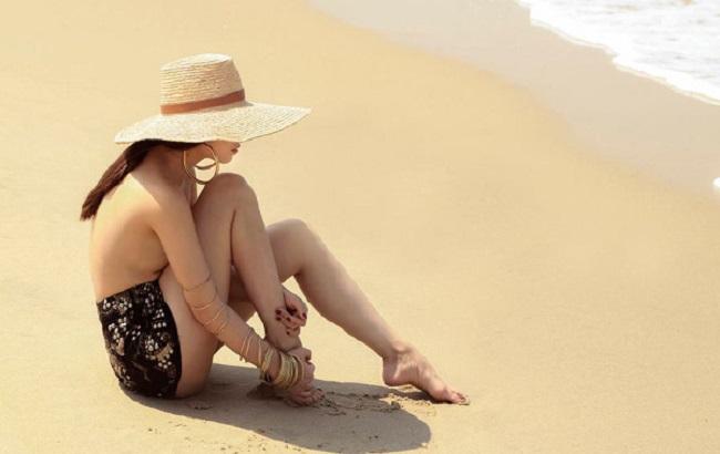 Những lần mặc bán nude nghẹt thở của Elly Trần, thánh nữ Mì Gõ - Hình 10