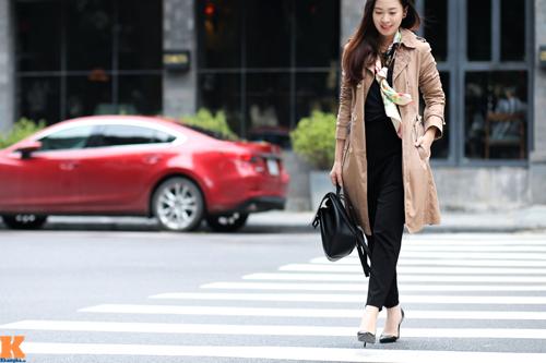 Thời trang đối lập đầy thú vị của chị em Hà Nội - Sài Gòn - Hình 4