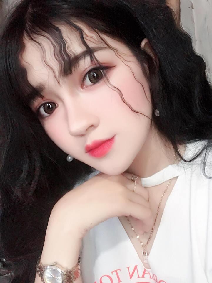 Hot girl Võ Hồng Tú Uyên xinh đẹp không góc chết - Hình 14