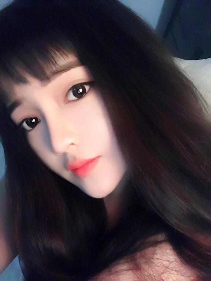 Hot girl Võ Hồng Tú Uyên xinh đẹp không góc chết - Hình 7