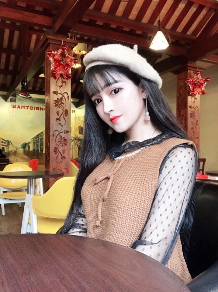 Hot girl Võ Hồng Tú Uyên xinh đẹp không góc chết - Hình 6
