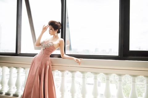 Người đẹp Hoa hậu Hoàn vũ Việt Nam 2017 gợi cảm mừng tuổi 21 - Người đẹp - #HotGirl