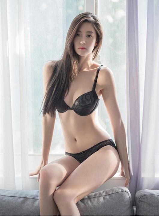Clara Lee với vẻ đẹp chết người - Hình 4