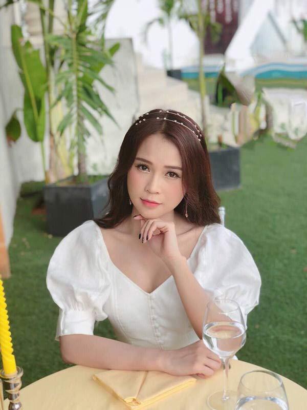Kỳ lạ hot girl Sài Gòn có trong tay triệu đô la nhưng chán dùng hàng hiệu - Hình 1