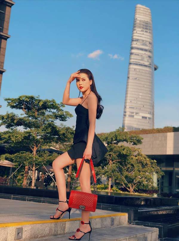 Kỳ lạ hot girl Sài Gòn có trong tay triệu đô la nhưng chán dùng hàng hiệu - Hình 4