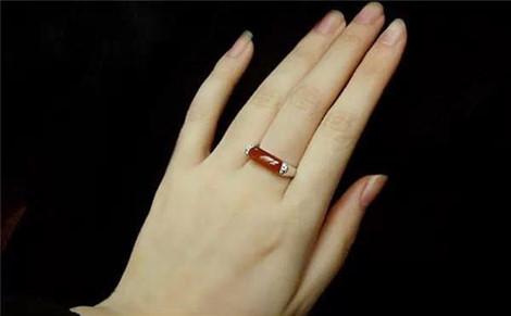 Phụ nữ có bàn tay này sẽ lấy được chồng tài giỏi, cả đời hưởng phú quý - Hình 1