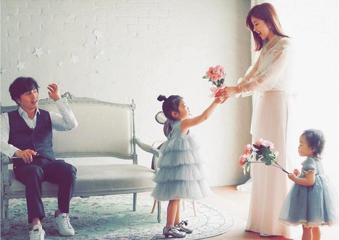 3 mỹ nhân Hàn làm dâu các tập đoàn tài phiệt lừng danh thế giới: Người đẹp nhất lại trải qua nhiều cay đắng nhất! - Hình 23