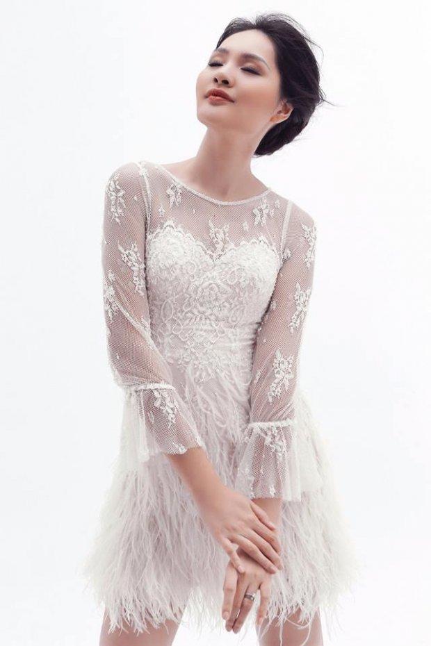 Hoa hậu đẹp nhất châu Á Hương Giang diện váy xuyên thấu khoe đường cong bỏng mắt - Hình 3