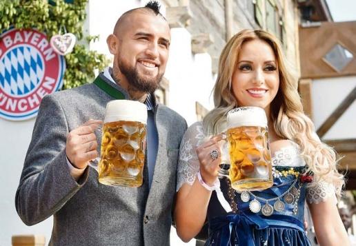 """Kết quả hình ảnh cho Arturo Vidal: làm đám cưới ở """"chuồng ngựa"""""""