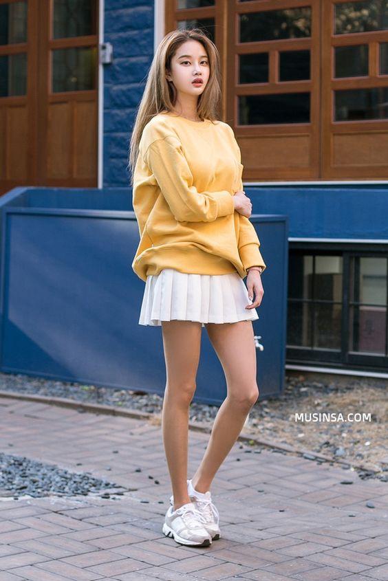 10 cách mix đồ với chân váy xòe ngắn cực đẹp và thời trang - Hình 6
