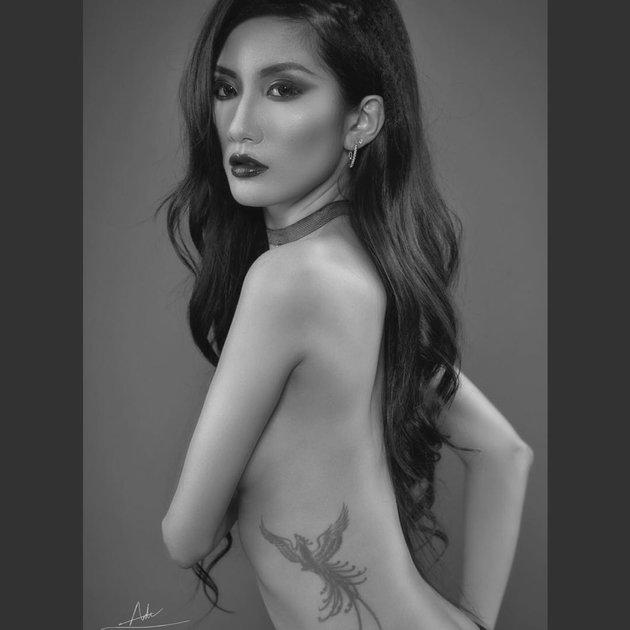 Bỏng mắt với loạt ảnh người mẫu ngực trần cháy hết mình vì U23 Việt Nam - Hình 3