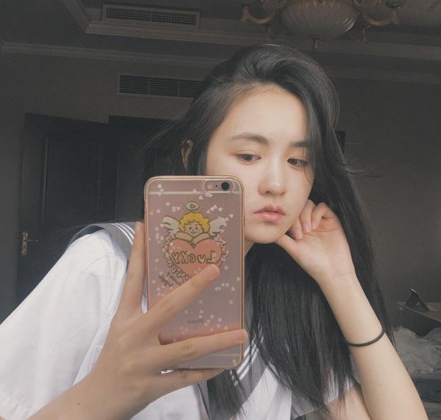 Hot girl 10x Trung Quốc khoe vẻ đẹp ngây thơ xinh đẹp - Hình 9
