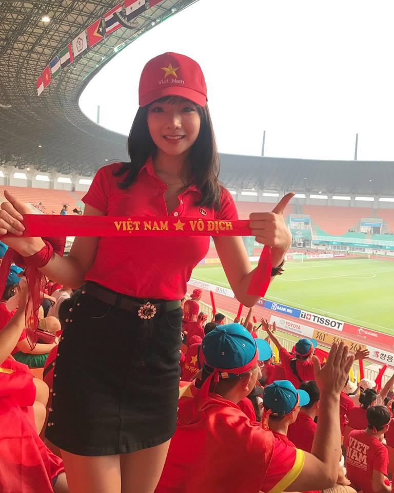 Nữ fan girl Việt xinh đẹp gây sốt mạng Hàn Quốc - Hình 5