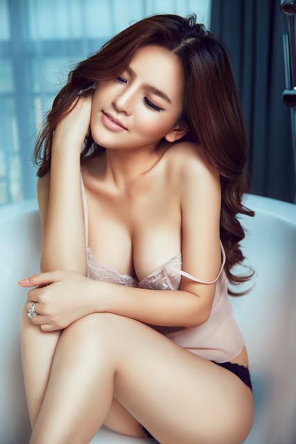 Full bộ ảnh bikini bom sex Phi Huyền Trang - Hình 28