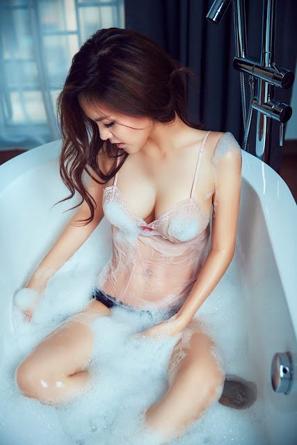 Full bộ ảnh bikini bom sex Phi Huyền Trang - Hình 26
