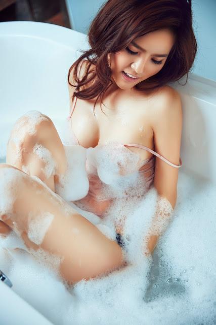 Full bộ ảnh bikini bom sex Phi Huyền Trang - Hình 22