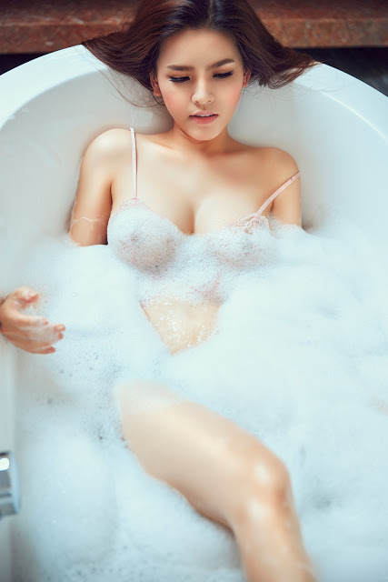Full bộ ảnh bikini bom sex Phi Huyền Trang - Hình 18