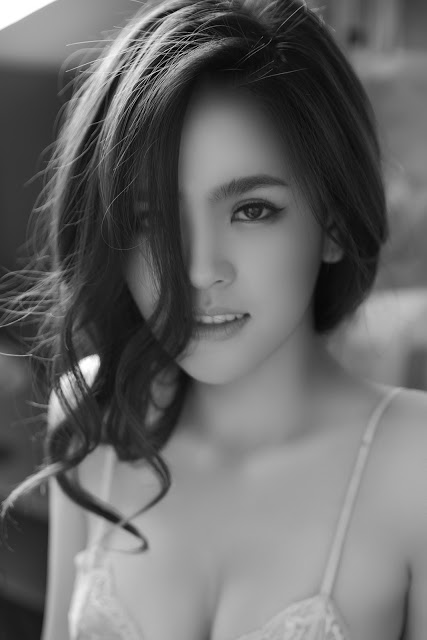 Full bộ ảnh bikini bom sex Phi Huyền Trang - Hình 2