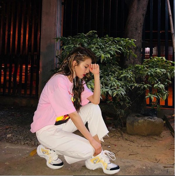 Sandara Park (2NE1) - Mỹ nhân thời trang đường phố Hypebeast không đụng hàng của Kpop - Hình 2