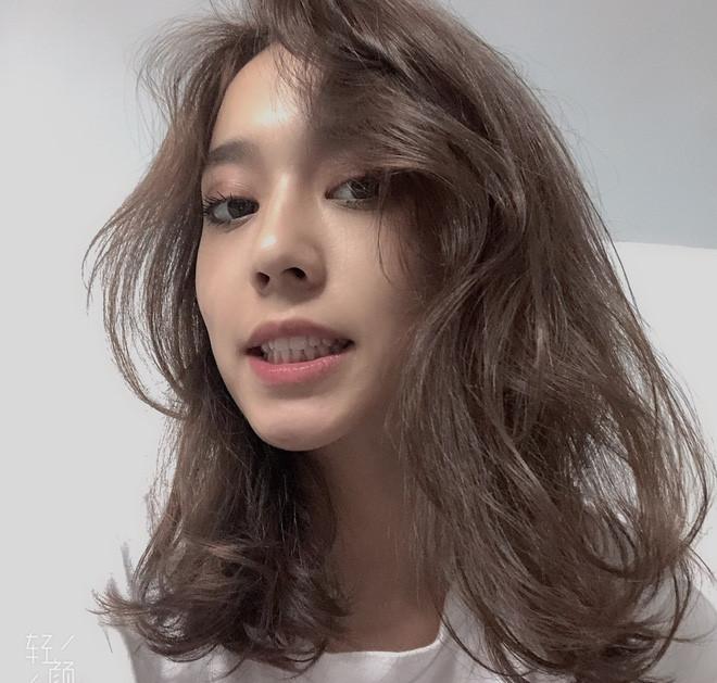Hot girl Tân Cương 10X mới nổi, được khen giống Địch Lệ Nhiệt Ba - Hình 3