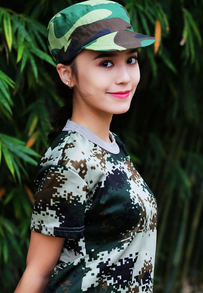 Hot girl Tân Cương 10X mới nổi, được khen giống Địch Lệ Nhiệt Ba - Hình 2