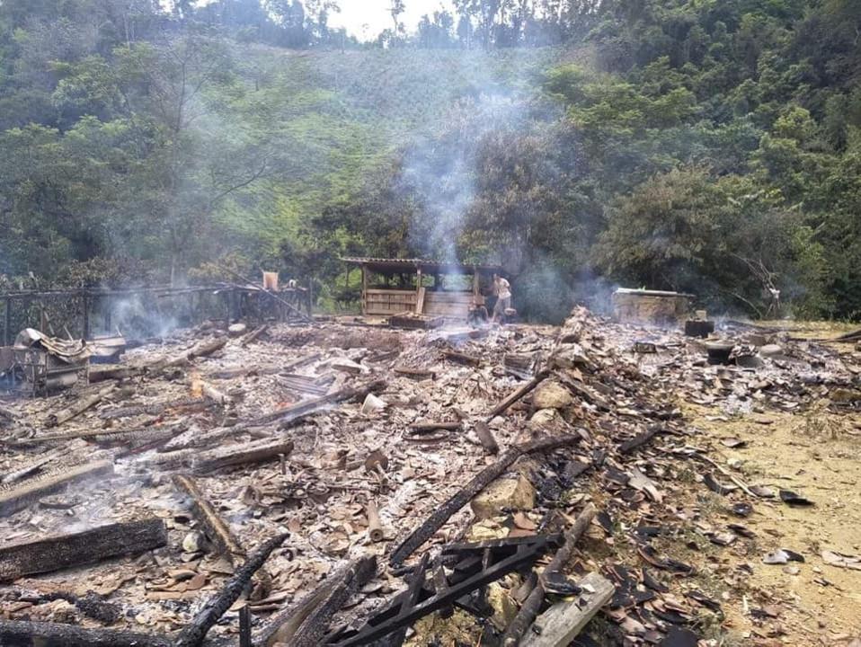 Bình Gia (Lạng Sơn): Cháy nhà thiệt hại hơn 200 triệu đồng - Hình 1