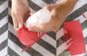 Cách làm thiệp có hình trái tim 3D bên trong xinh xắn - Hình 5