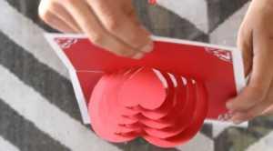 Cách làm thiệp có hình trái tim 3D bên trong xinh xắn - Hình 8