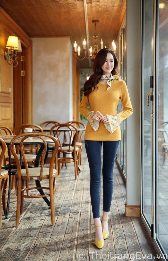 Những mẫu áo - đầm màu vàng chanh nổi bật hè này - Hình 1