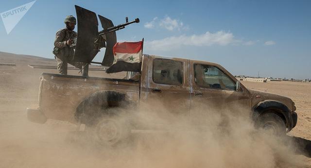 Báo Nga: Syria bất ngờ tấn công sào huyệt khủng bố nằm gần căn cứ quân sự Mỹ - Hình 1