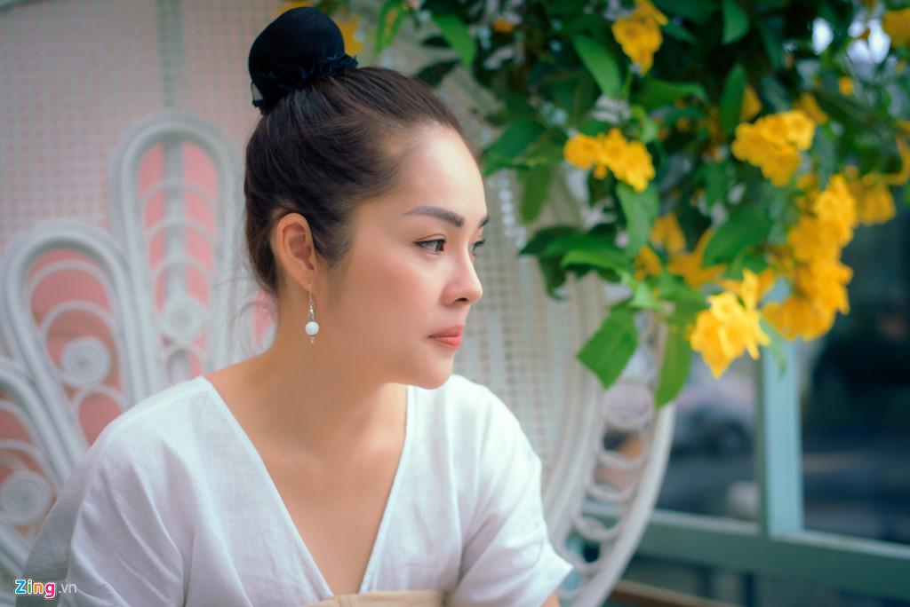 Dương Cẩm Lynh: Tôi khóc cả tháng, chới với khi ôm con ra ngoài sống - Hình 4