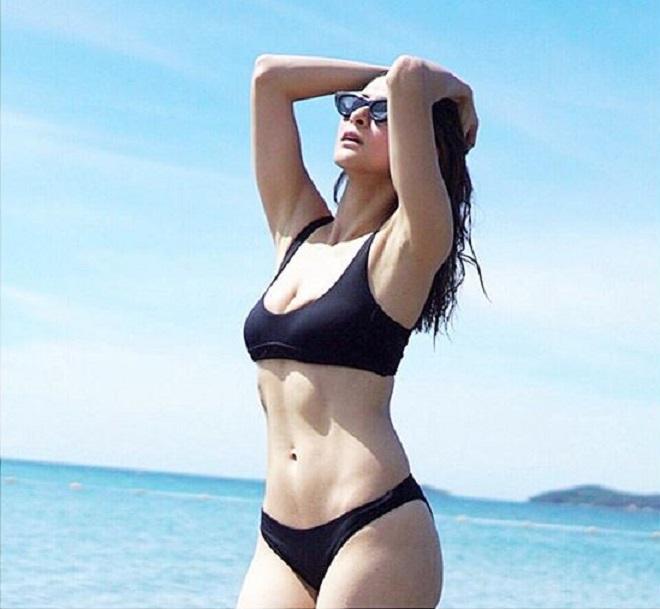 Người đàn bà đẹp nhất Philippines khoe múi bụng - Hình 1