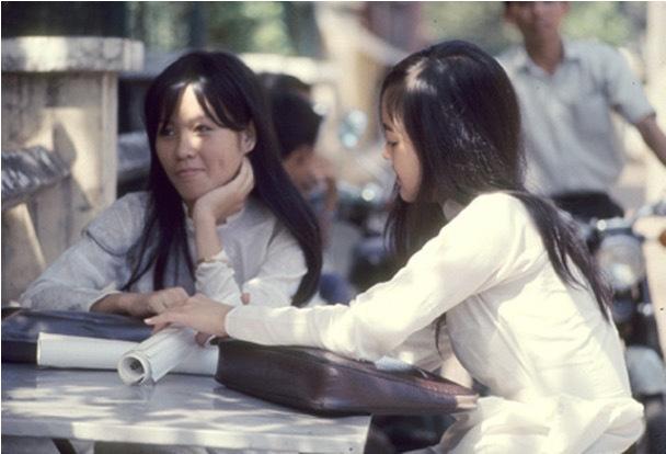Chiêm ngưỡng nét đẹp phụ nữ qua bộ ảnh Sài Gòn xưa - Hình 1