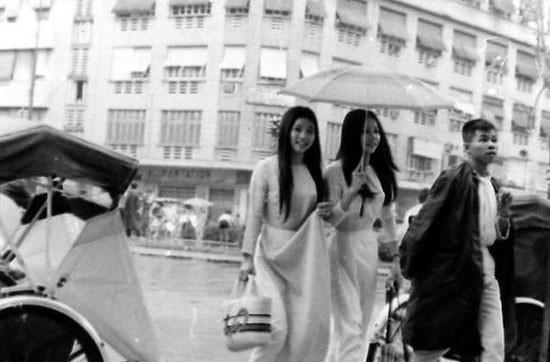 Chiêm ngưỡng nét đẹp phụ nữ qua bộ ảnh Sài Gòn xưa - Hình 15