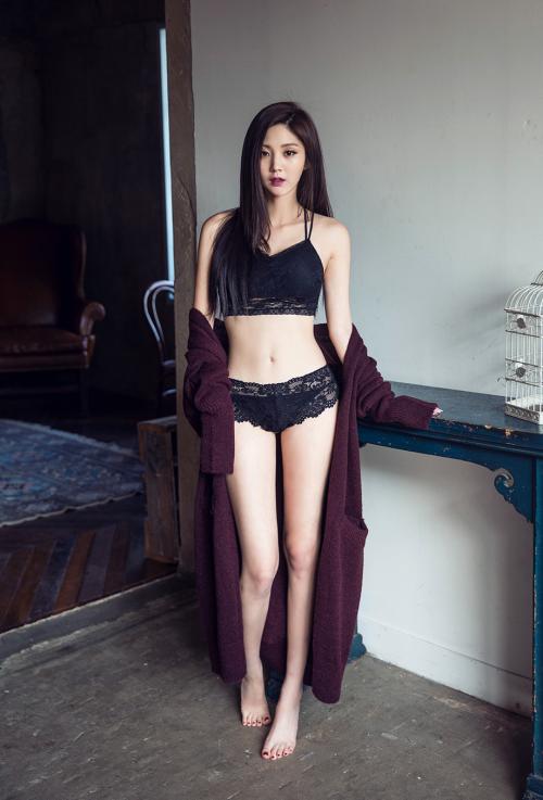 Cùng chiêm ngưỡng người đẹp Hàn Quốc khoe chân dài, 3 vòng cực chuẩn - Hình 4