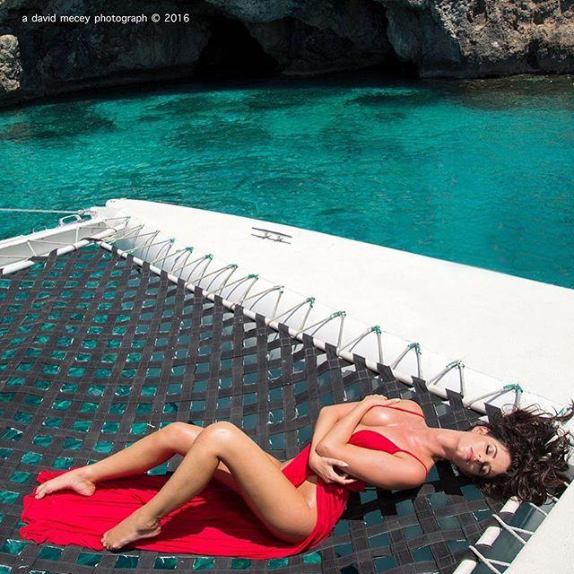 Jaylene Cook: Người đẹp suýt mất nghiệp vì chụp ảnh khỏa thân - Hình 2