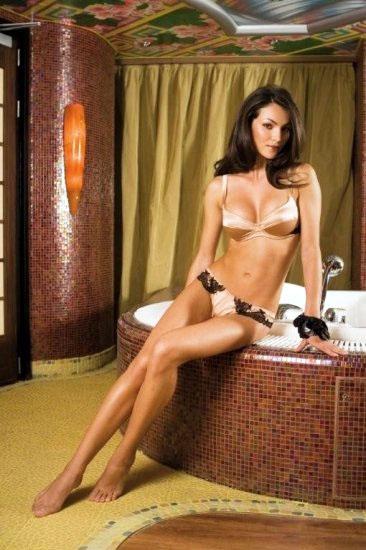 Ngắm cô nàng Nadya Nepomnyashaya diện bikini sexy - Hình 5