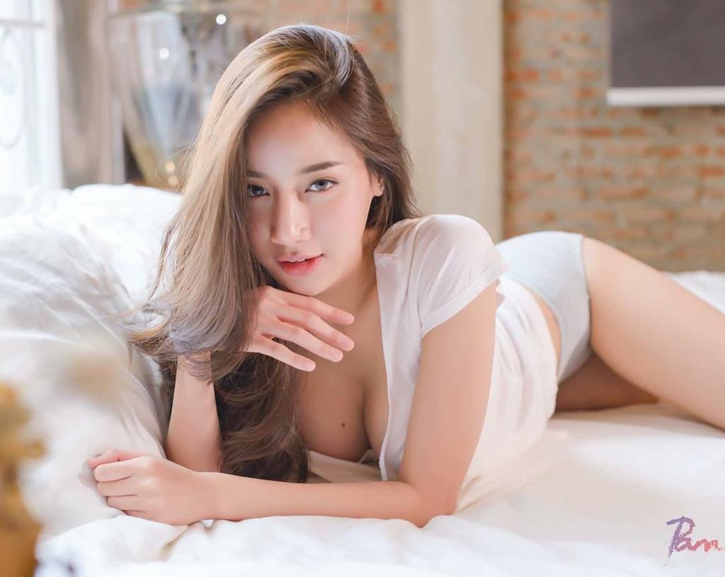 Vẻ ngoài gợi cảm của Pichana Yoosuk nữ thần nội y Thái Lan - Hình 4