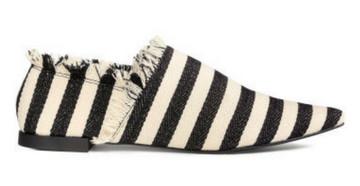 7 kiểu giày đế bằng dễ phối hợp nhất - Hình 6