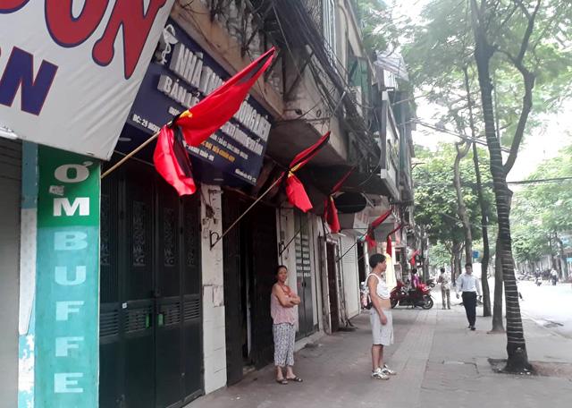 Hà Nội treo cờ rủ vĩnh biệt Chủ tịch nước Trần Đại Quang - Hình 1