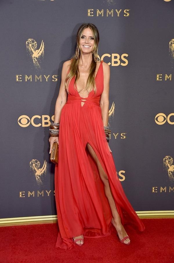 Những bộ đầm gợi cảm trong lịch sử Emmy - Hình 14