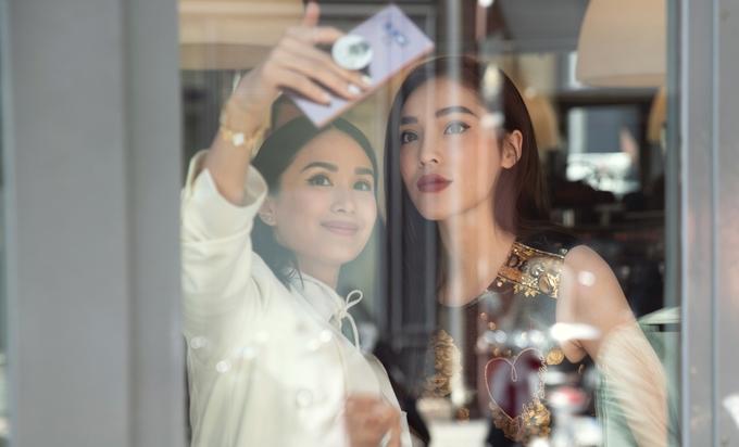 Kỳ Duyên đọ sắc vóc với đệ nhất mỹ nữ Thái Lan Mai Davika tại Paris - Hình 5