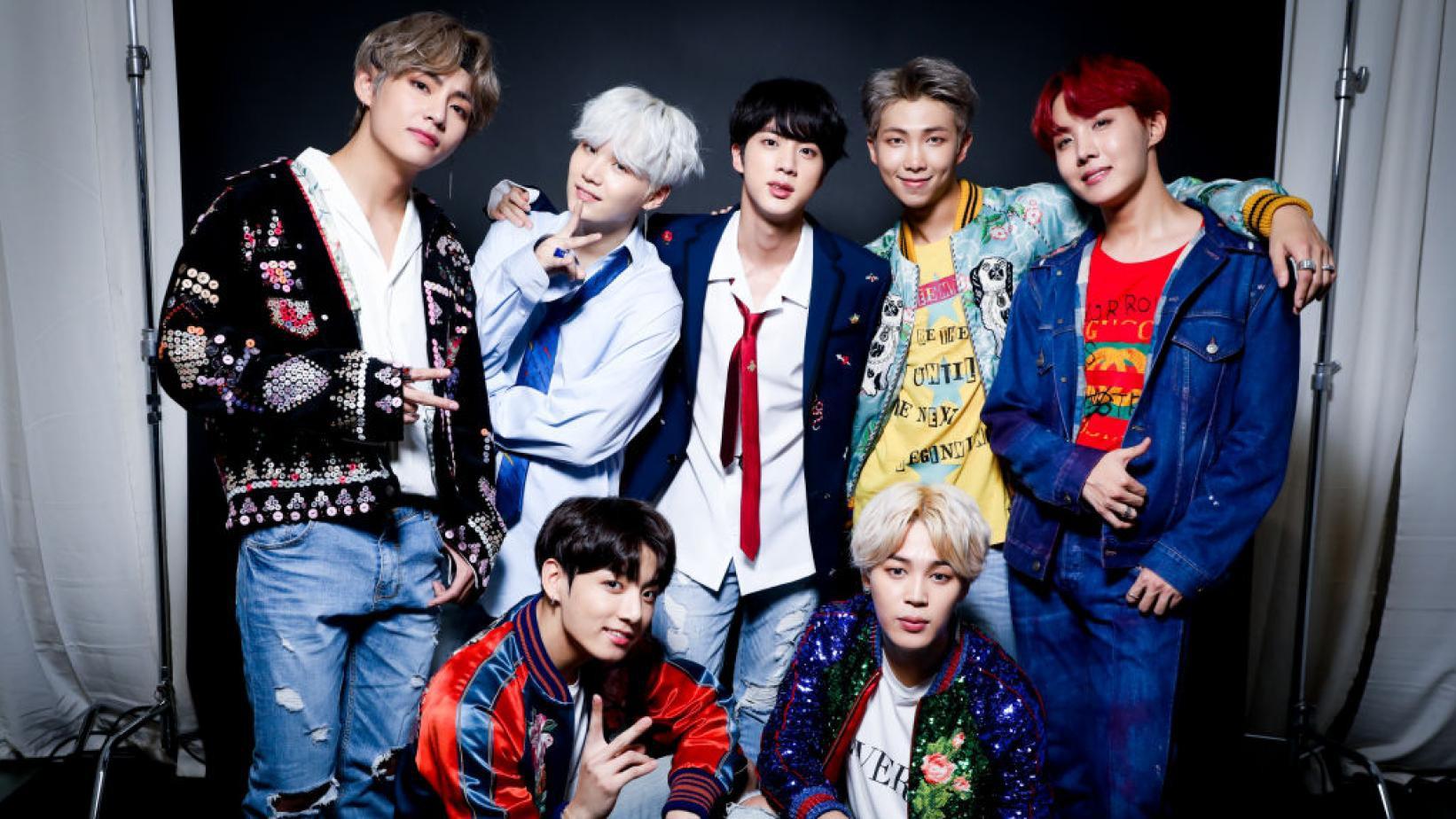 Nghỉ chơi với sân nhà Hàn Quốc, BTS giờ là khách mời thường xuyên của show Mỹ - Hình 1