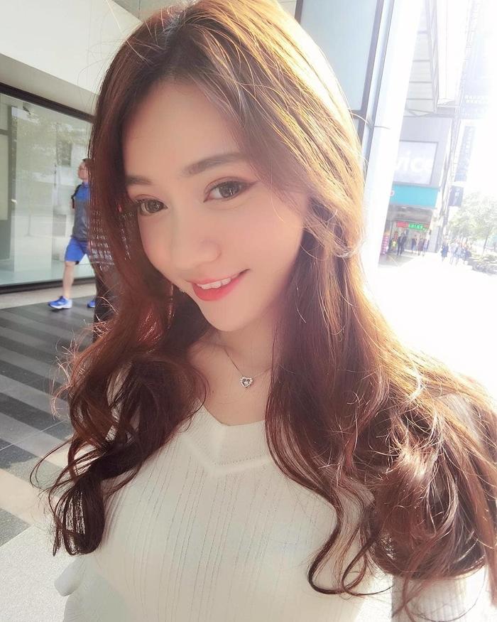 Hot girl Đài Loan Sulittleli tung bộ ảnh bikini siêu gợi cảm thiêu đốt mọi ánh nhìn - Hình 14