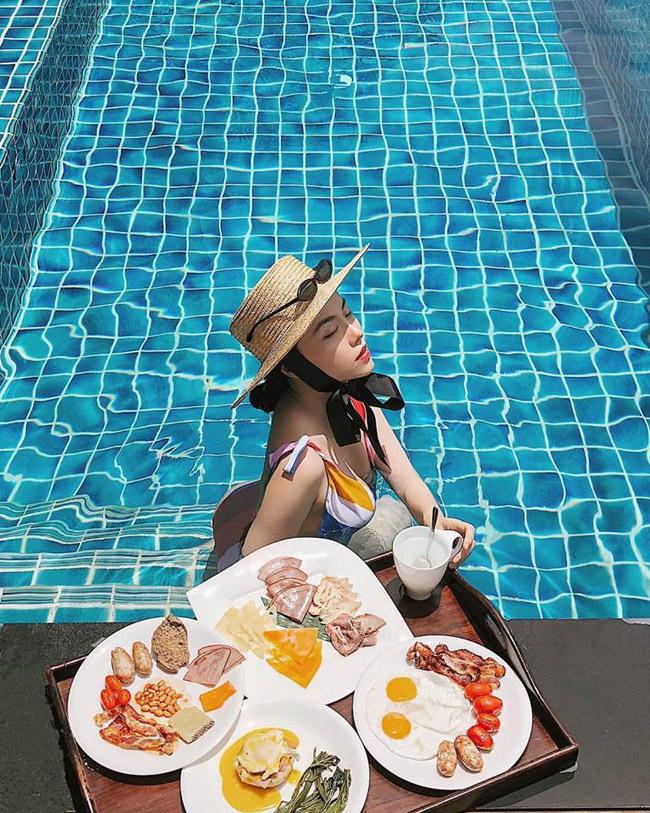 Cô gái Việt kiếm bộn tiền từ việc ăn ngon, mặc đẹp, đi du lịch sang chảnh - Hình 12