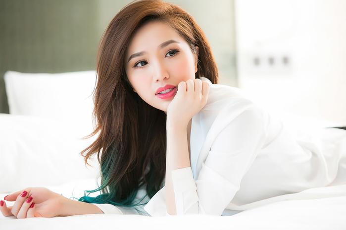 Top 10 nữ ca sĩ xinh đẹp nhất Việt Nam: Hạng 1 và 2 ngang
