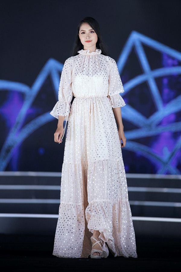 Vẻ thuần khiết của thí sinh Hoa hậu Việt Nam có mái tóc dài kỷ lục 1m4 - Hình 5