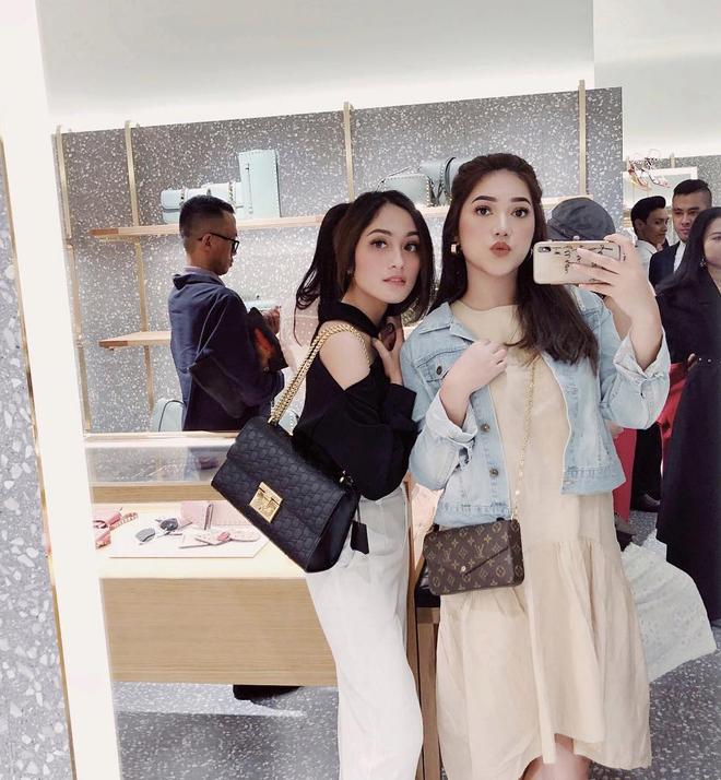 Cuộc sống sang chảnh của cặp bạn thân blogger xinh đẹp, nổi tiếng hàng đầu Indonesia - Hình 17