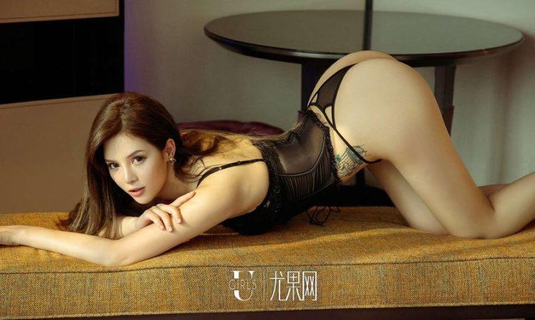 Hot girl xăm trổ có vòng 3 khủng nhất Trung Quốc - Hình 16