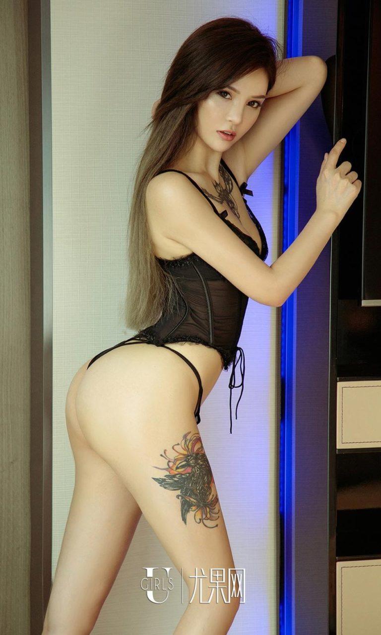 Hot girl xăm trổ có vòng 3 khủng nhất Trung Quốc - Hình 2